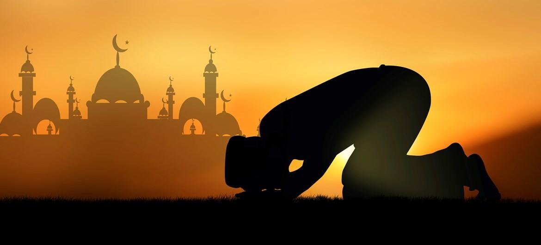 Abdulkadir Geylani - Dininiz dört şey yüzünden gider: