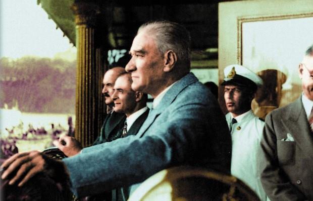 Mustafa Kemal bütün hayat felsefesini şu cümlede özetlemiştir: